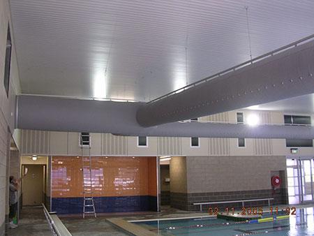 ong-gio-vai-King's-Chirnside-Park-Pool,-Australia-1