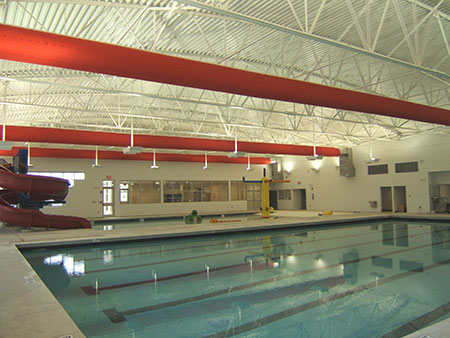 ong-gio-vai-YMCA-HALL,-Pool,-Gainesville,-US-1