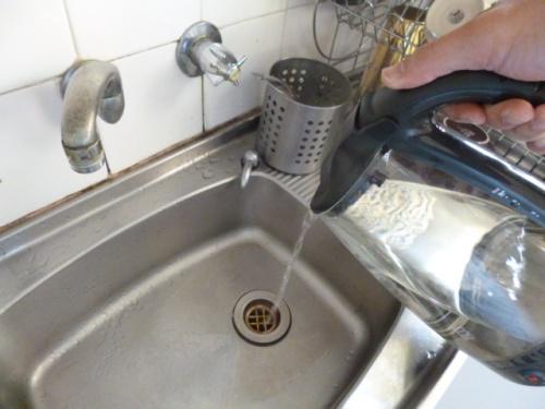 Tẩy Cáu Cặn Làm Sạch Đường Ống Dẫn Nước